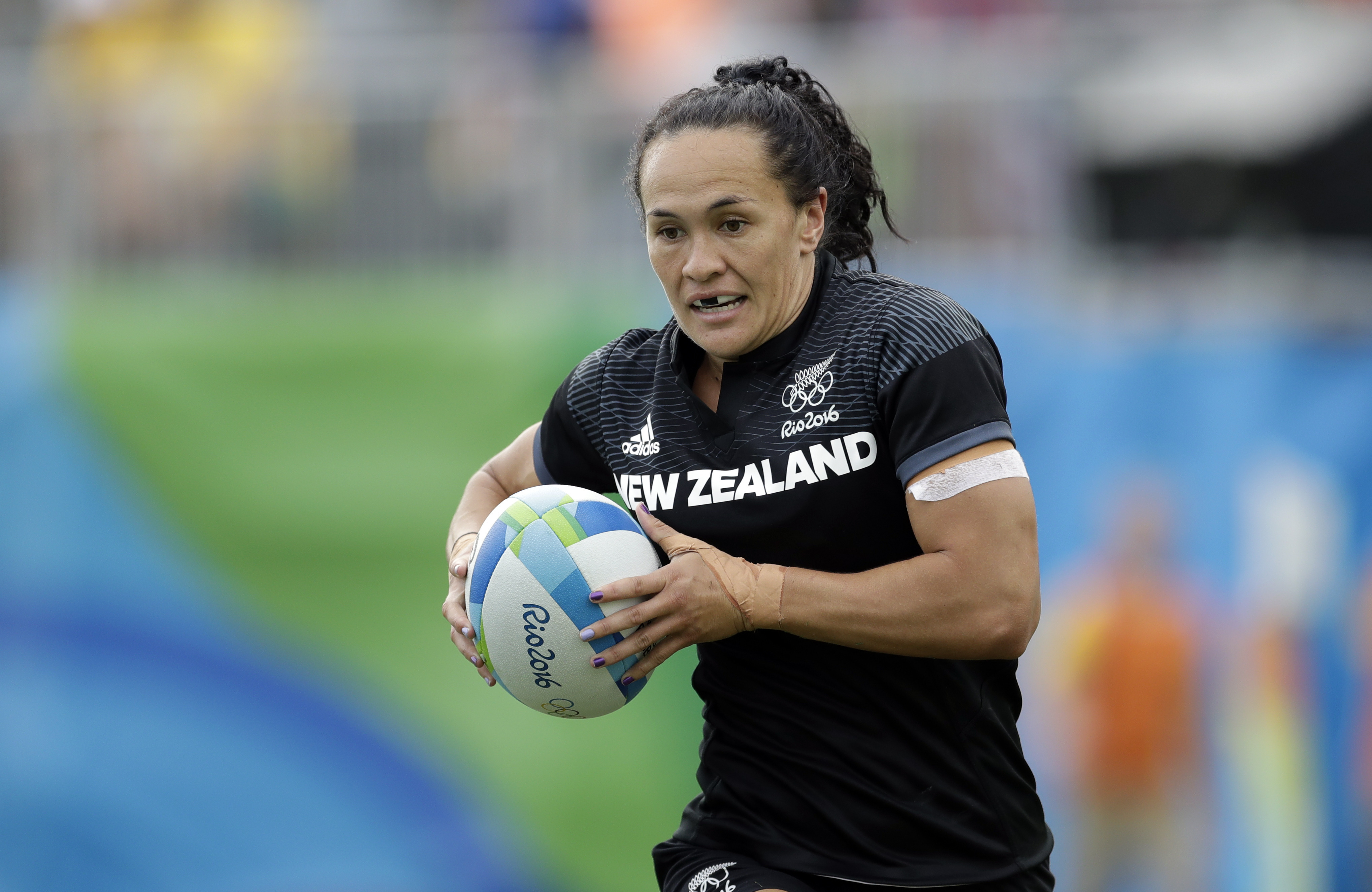 New Zealand's Portia Woodman, scores a try during the women's rugby sevens semi final match against Great Britain at the Summer Olympics in Rio de Janeiro, Brazil, Monday, Aug. 8, 2016. (AP Photo/Themba Hadebe)