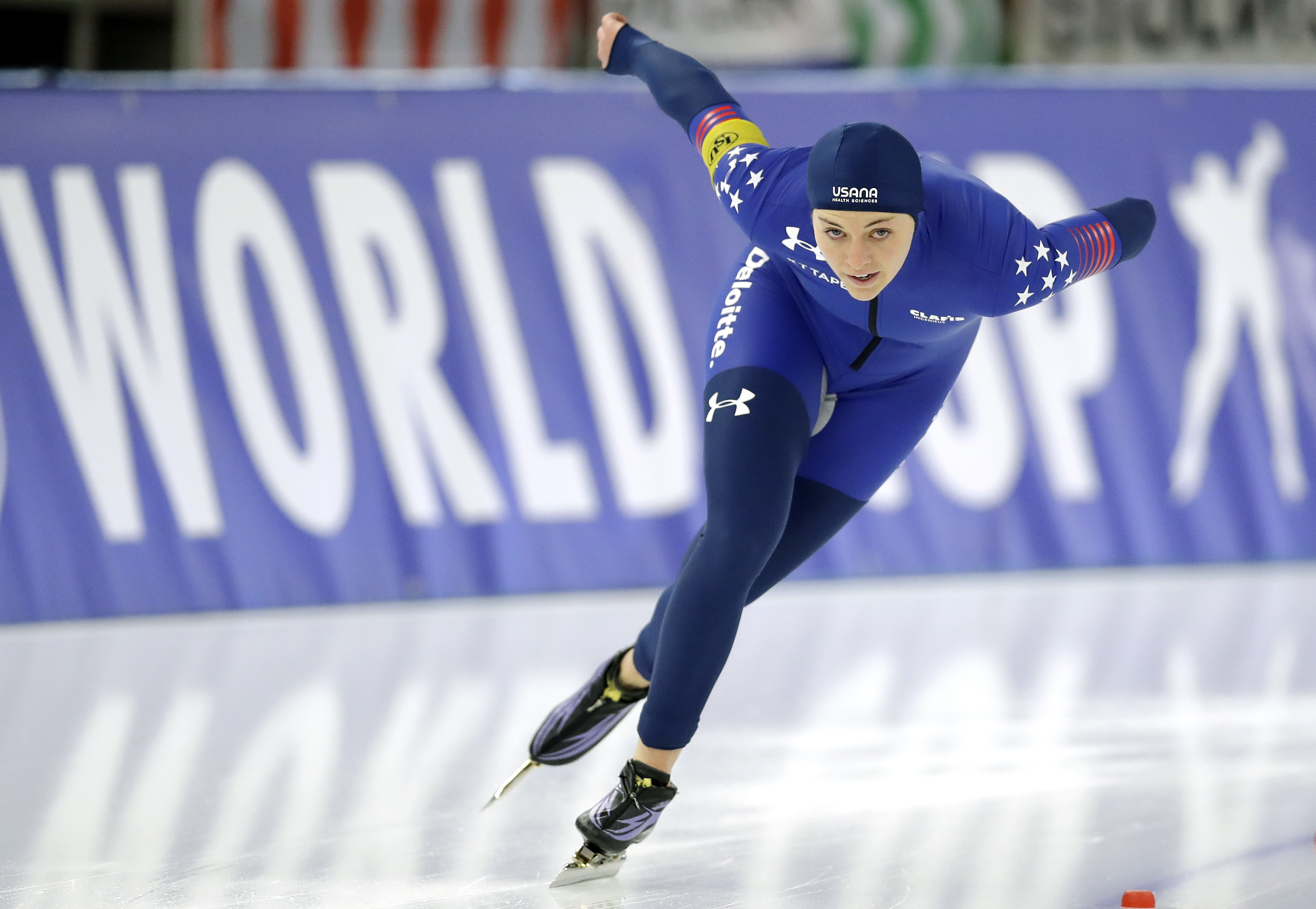 USA's Heather Bergsma competes during the woman's 1000 meters race of the Speed Skating World Cup in Berlin, Germany, Sunday, Jan. 29, 2017. (AP Photo/Michael Sohn)
