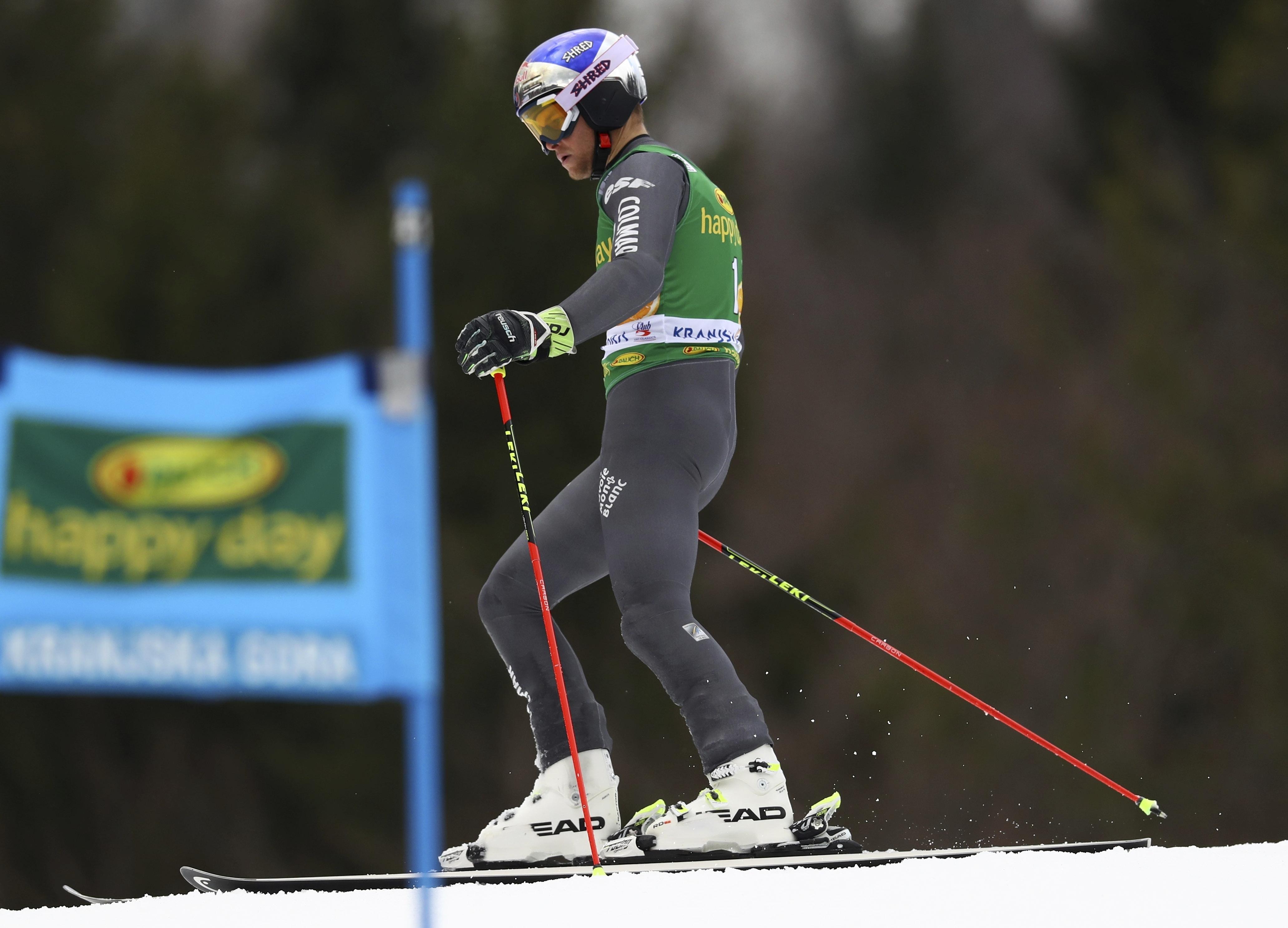 France's Alexis Pinturault fails to complete an alpine ski, men's World Cup giant slalom, in Kranjska Gora, Slovenia, Saturday, March 4, 2017. (AP Photo/Alessandro Trovati)