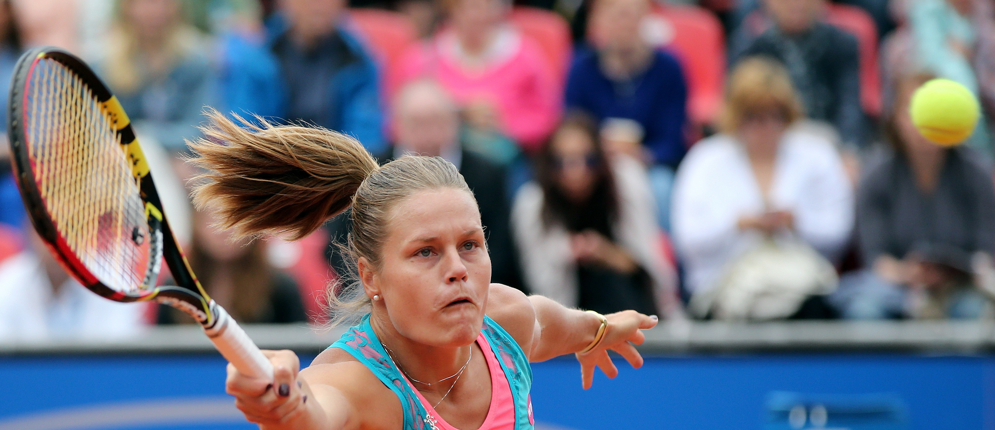 Karin Knapp  from Italy returns a ball to Italy's Roberta Vinci during the final of the Nuremberg  Cup tennis tournament in Nuremberg, Germany, Saturday May 23, 2015.   ( Daniel Karmann/dpa, via AP)