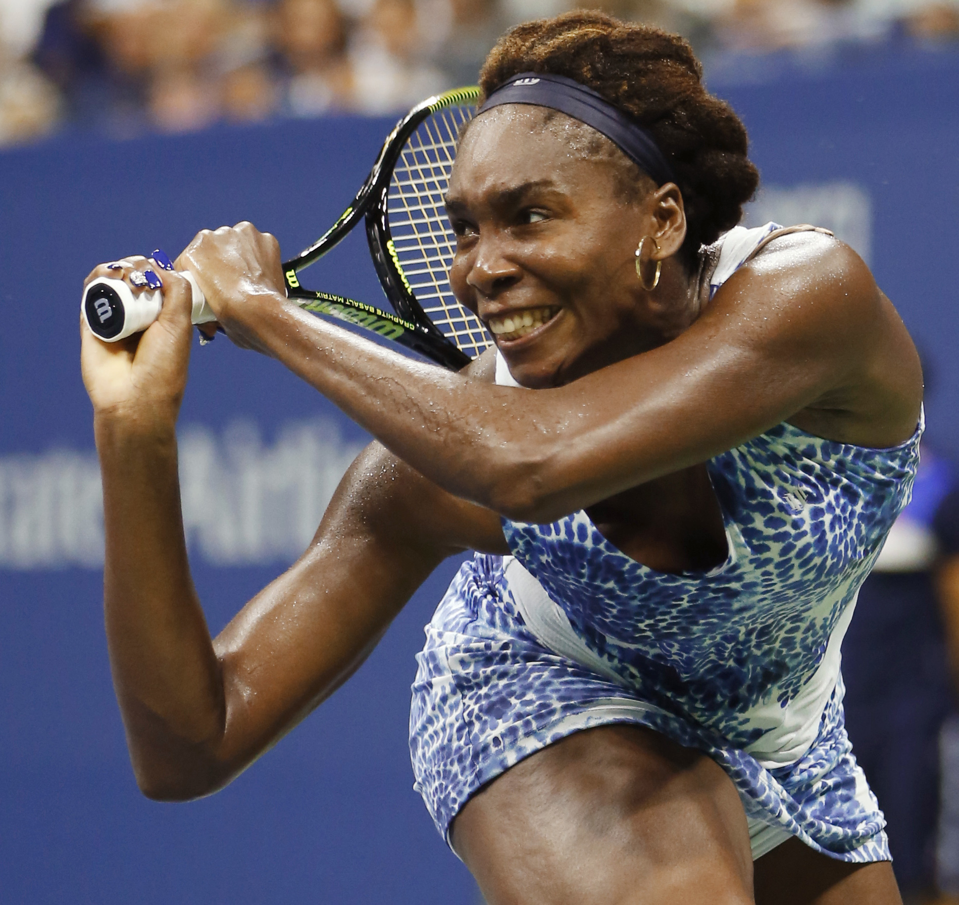 Venus Williams, of the United States, watches a return to Irina Falconi, of the United States, at the U.S. Open tennis tournamen in New York, Wednesday, Sept. 2, 2015.  (AP Photo/Kathy Willens)