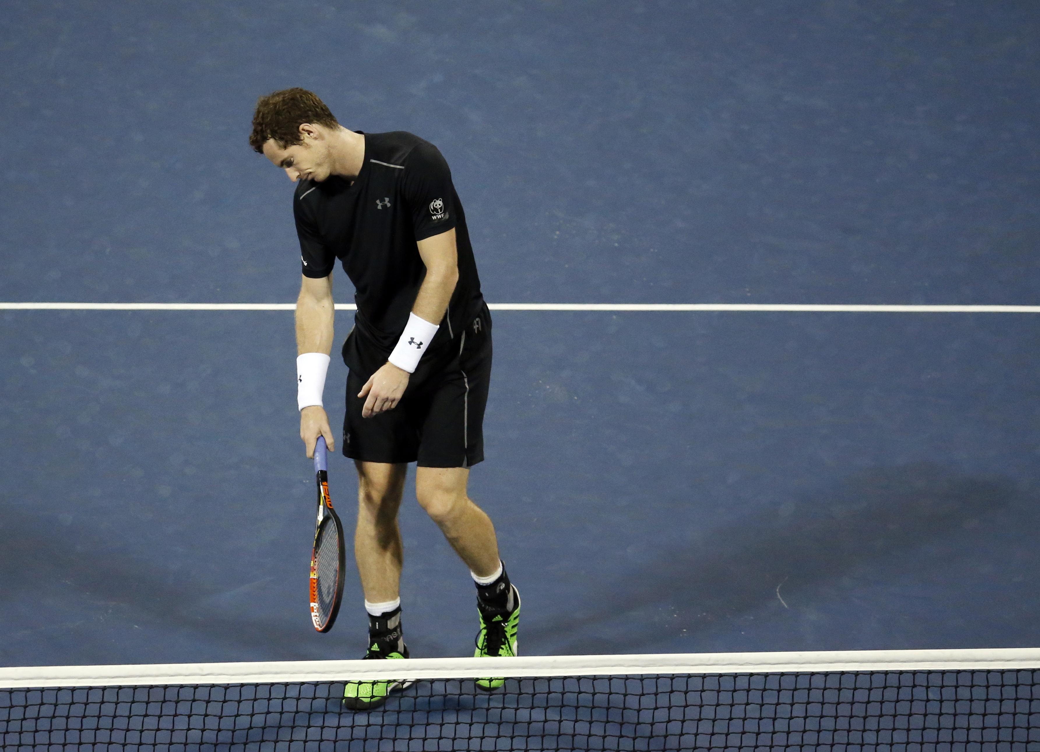Andy Murray, of the United Kingdom, reacts after losing a point to Kevin Anderson, of South Africa, during the fourth round of the U.S. Open tennis tournament, Monday, Sept. 7, 2015, in New York. (AP Photo/Jason DeCrow)