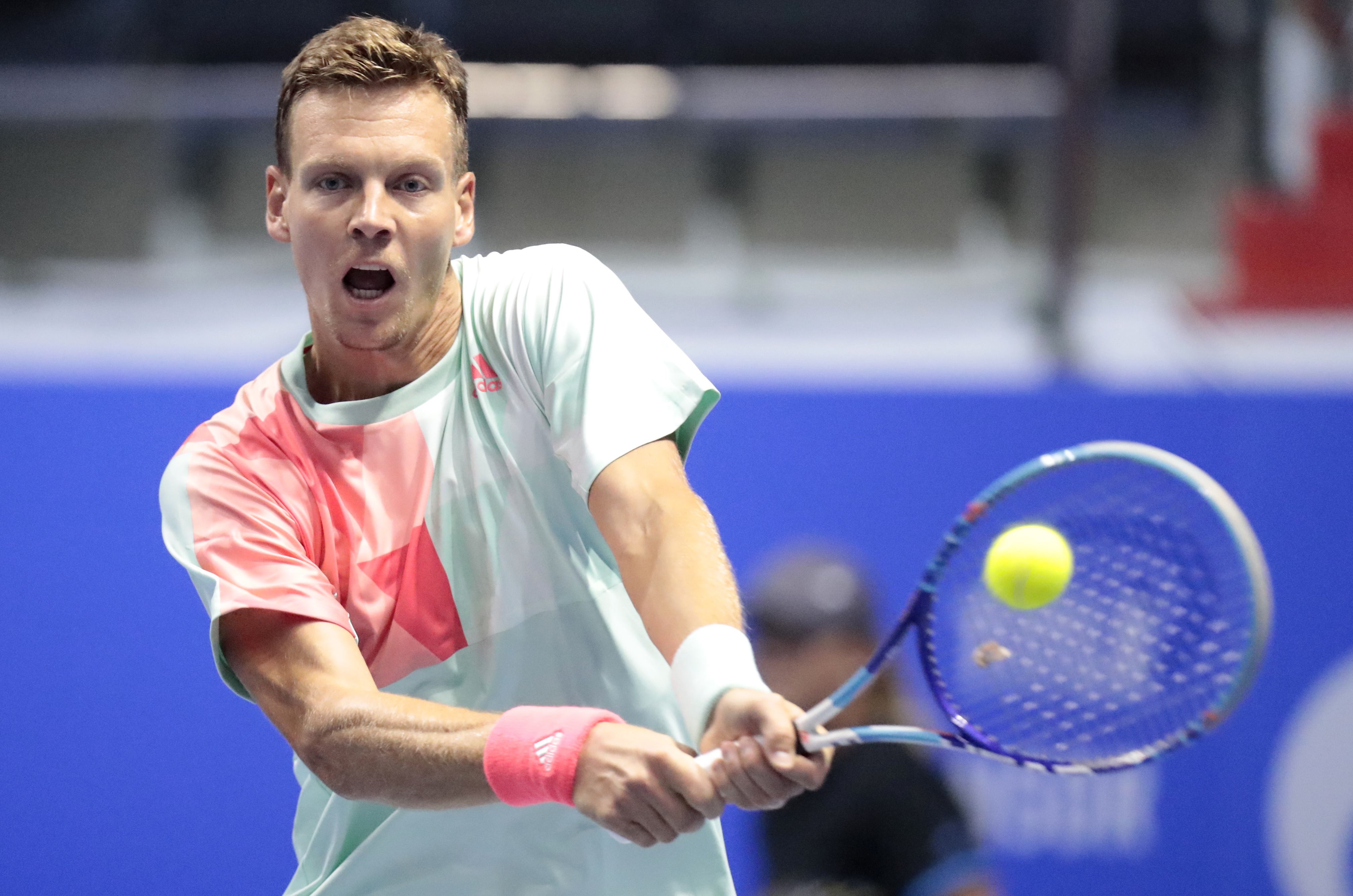 Tomas Berdych of Czech Republic returns the ball to Paolo Lorenzi of Italy during the St. Petersburg Open ATP tennis tournament match in St. Petersburg, Russia, Friday, Sept. 23, 2016. (AP Photo/Dmitri Lovetsky)