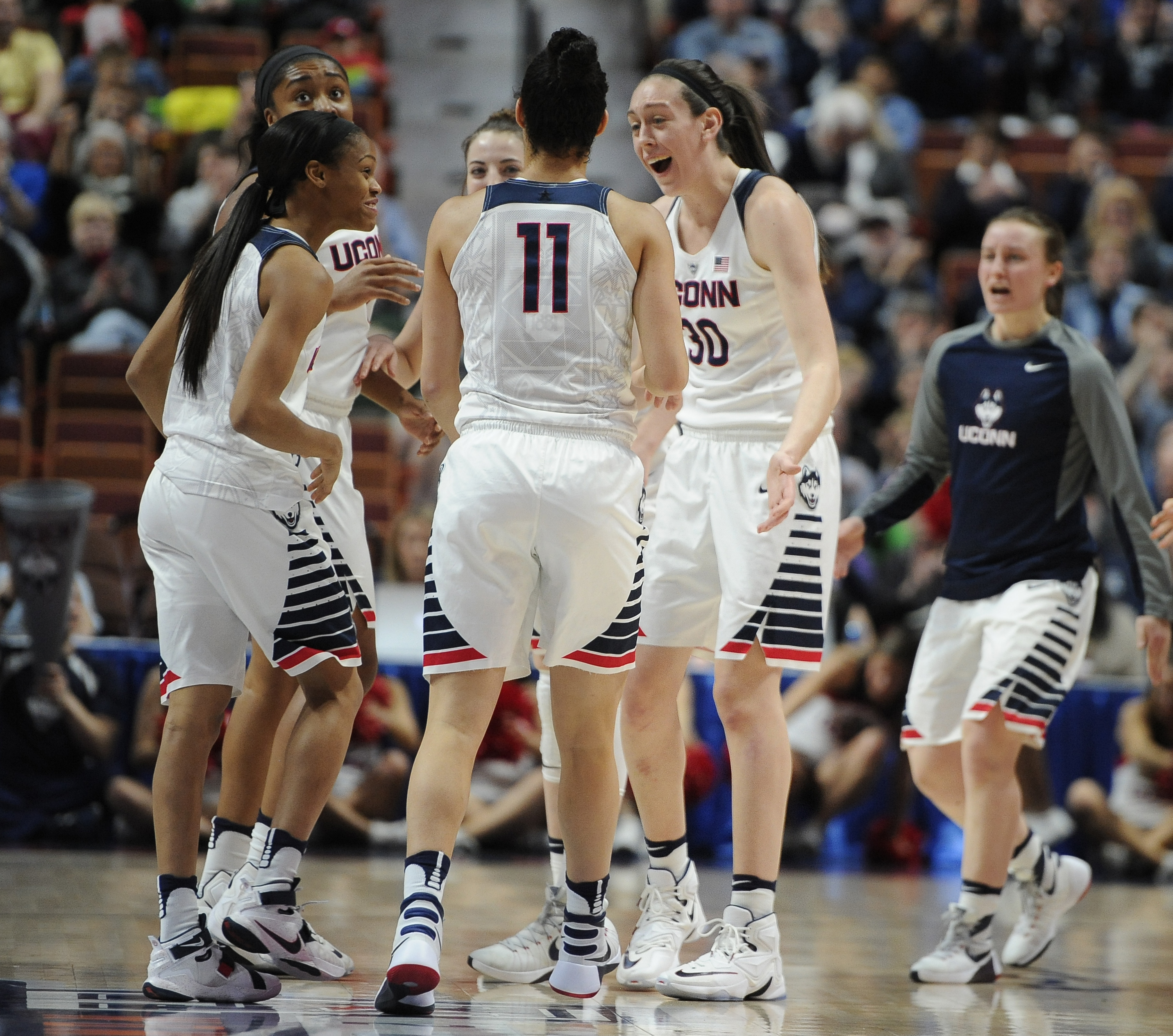 Connecticut's Breanna Stewart, right, reacts toward her team during the first half of an NCAA college basketball game in the American Athletic Conference tournament semifinals against Tulane at Mohegan Sun Arena, Sunday, March 6, 2016, in Uncasville, Conn