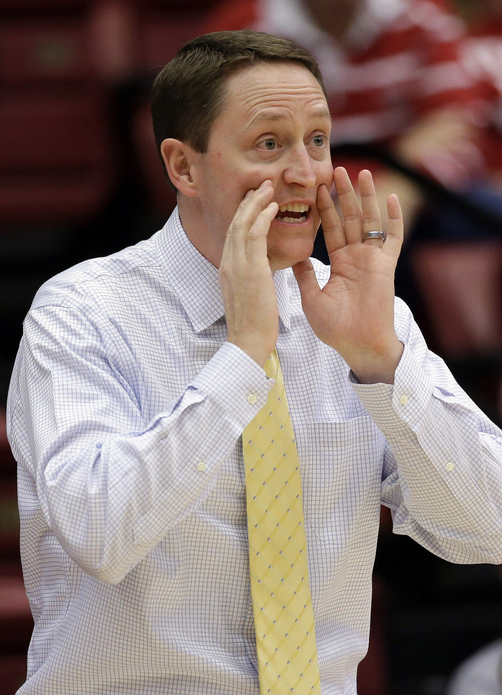 South Dakota State head coach Aaron Johnston instructs his team against Miami in the first half of a first-round women's college basketball game in the NCAA Tournament Saturday, March 19, 2016, in Stanford, Calif.  (AP Photo/Marcio Jose Sanchez)