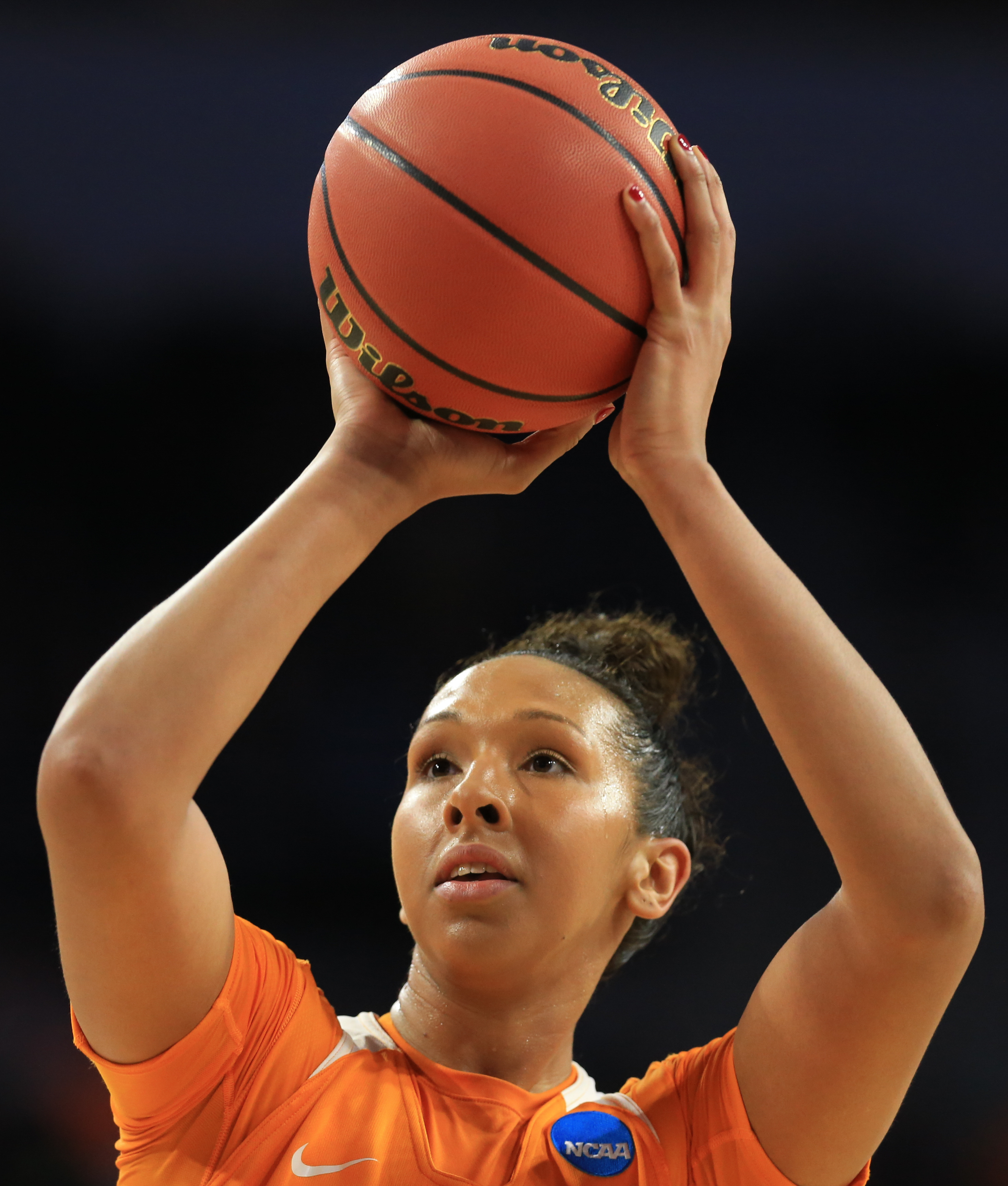 Tennessee's Mercedes Russell (21) shoots a free throw during a women's college basketball regional semifinal against Ohio State in the NCAA Tournament in Sioux Falls, S.D., Friday, March 25, 2016. (AP Photo/Nati Harnik)