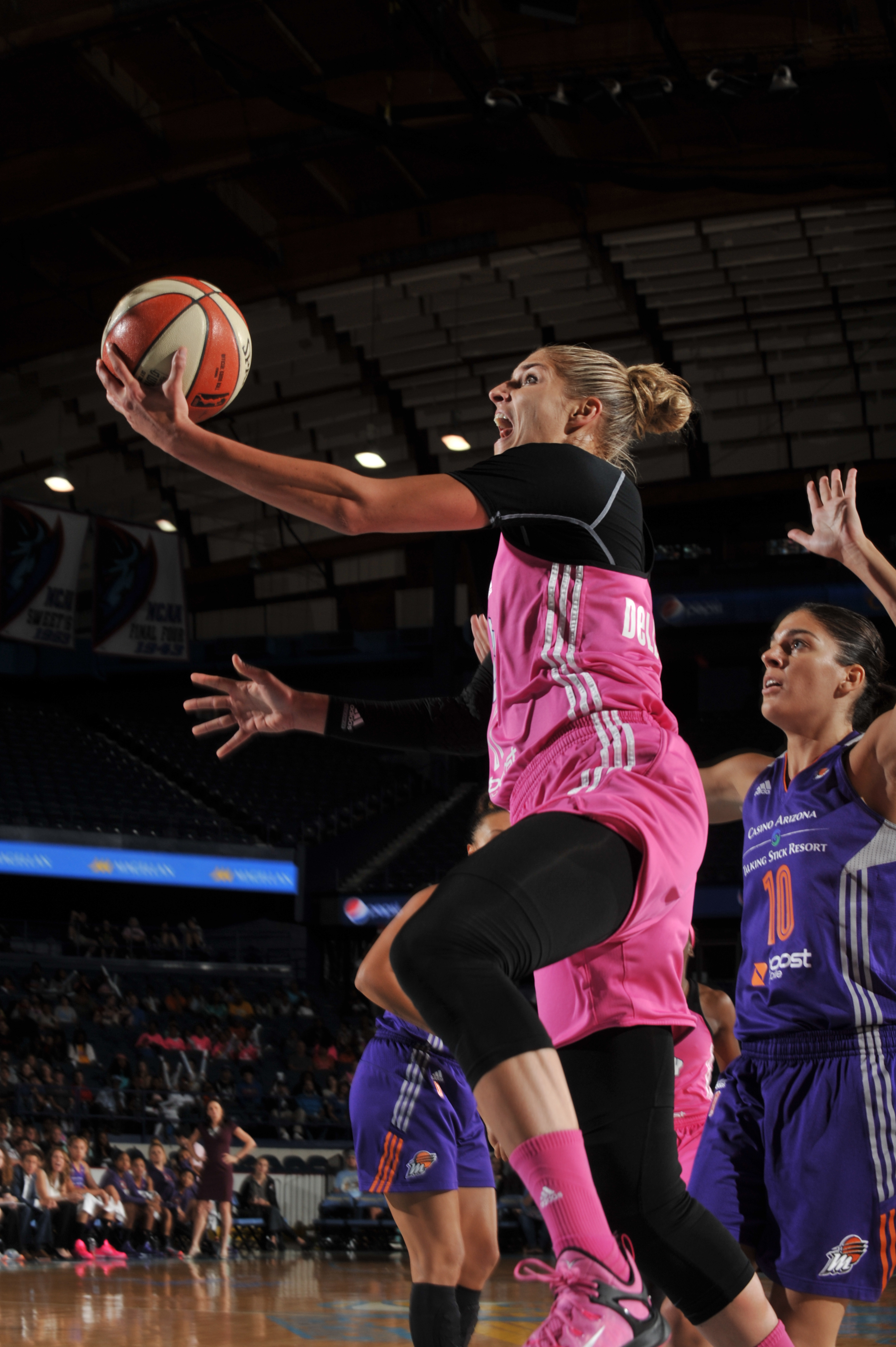 ROSEMONT, IL - AUGUST 9: Elena Delle Donne #11 of the Chicago Sky shoots the ball against the Phoenix Mercury on August 9, 2015 at the Allstate Arena in Rosemont, Illinois. (Photo by Randy Belice/NBAE via Getty Images)