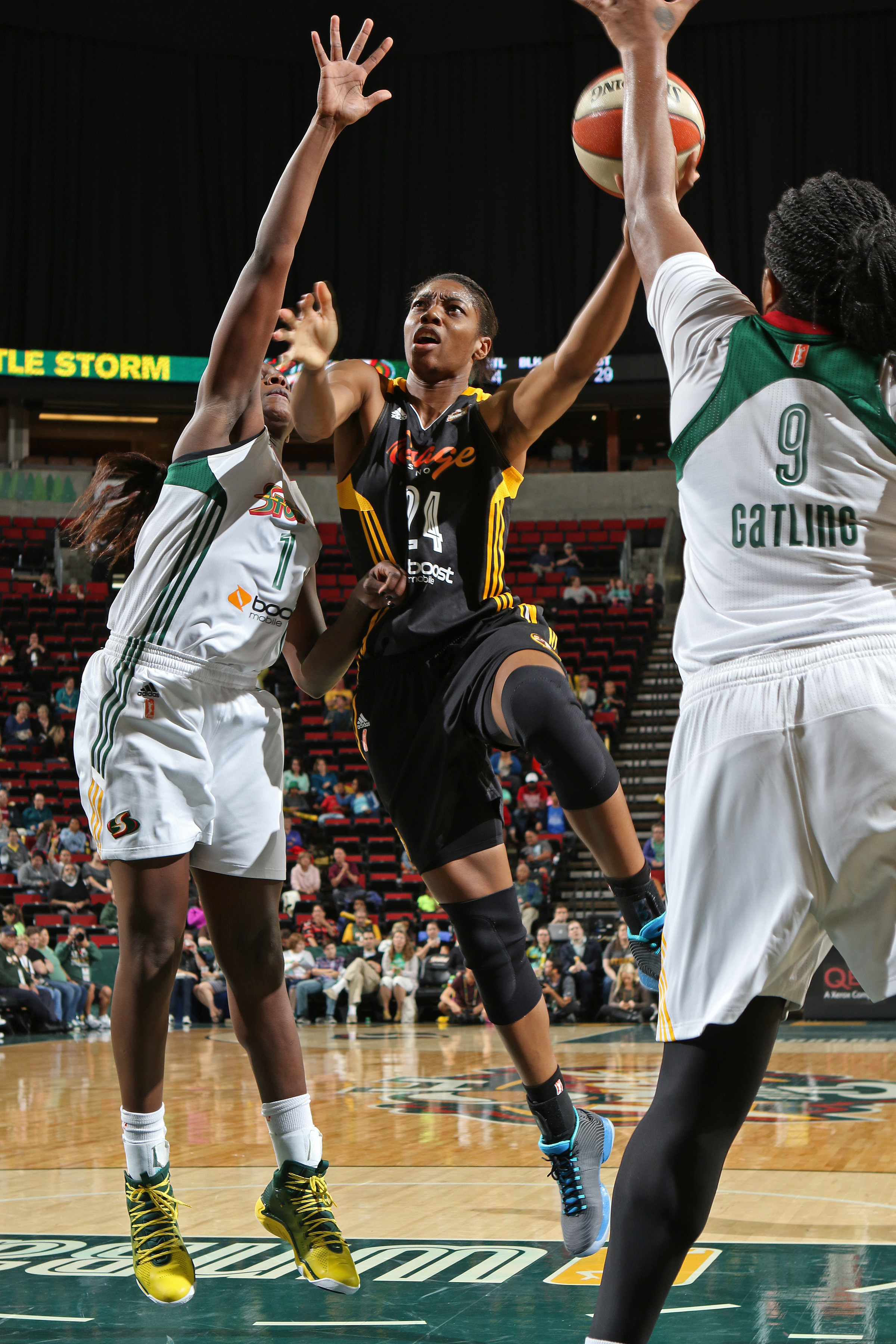 SEATTLE, WA - SEPTEMBER 3:  Vicki Baugh #24 of the Tulsa Shock drives to the basket against the Seattle Storm September 3, 2015 at Key Arena in Seattle, Washington. (Photo by Joshua Huston/NBAE via Getty Images)