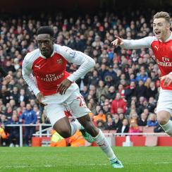 Danny Welbeck leads Arsenal to a 2-1 win over Leicester City