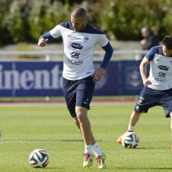 France, led by Real Madrid's Karim Benzema (center), is a favorite to advance from the World Cup's Group E.