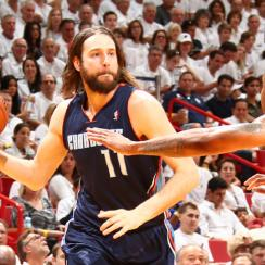 Josh McRoberts, who played against Miami in the postseason, will join the Heat.