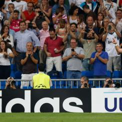 Gareth Bale scored Real Madrid's second gaol in a 5-1 rout of FC Basel on the first day of the Champions League group stage.