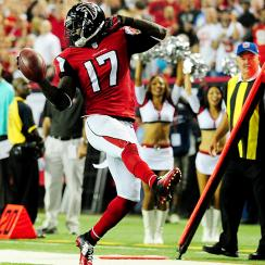 Devin Hester has record-breaking night as Falcons humiliate Bucs