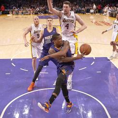 Eric Bledsoe and the Phoenix Suns agreed on a five-year, $70 million deal on Wednesday.