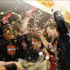 Giants celebrate NLDS win champagne