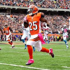 Carolina Panthers-Cincinnati Bengals ends in a tie when Mike Nugent misses an OT field goal.
