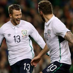 Anthony Pilkington, left, got the scoring started early for Ireland, leaving Geoff Cameron, far right, and the U.S. defense looking for answers.