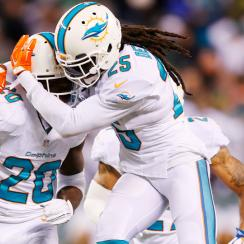 Dolphins get ugly win over hapless Geno Smith, Jets to stay in playoff hunt