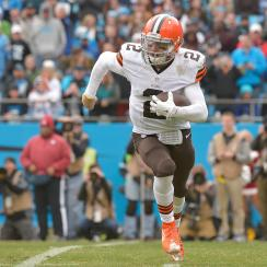 Cleveland Browns Joe Haden and Karlos Dansby believe the team can win with Johnny Manziel at quarterback.