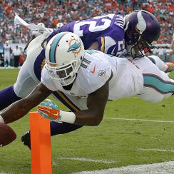 NFL free agency: Mike Wallace, Greg Jennings recent busts