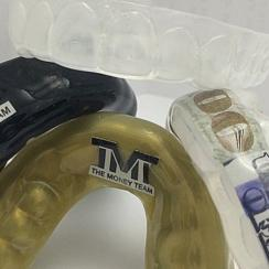 Floyd Mayweather wears $25k mouth guard with real money inside