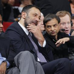 Vlade Divac Sacramento Kings executive