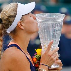 Angelique Kerber poses with trophy