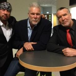 Pro Wrestling's wolfpac is tighter than ever