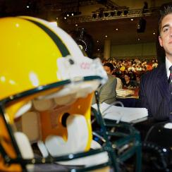 Aaron Rodgers behind Alex Smith? Revisting 2005 NFL draft