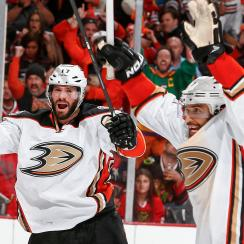 anaheim ducks chicago blackhawks three goals 37 seconds