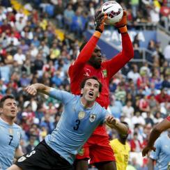 Jamaica goalkeeper Dwayne Kerr made a horrendous blunder against Paraguay in Copa America.