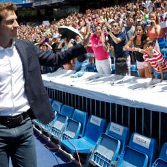 Iker Casillas bids farewell to the Real Madrid faithful ahead of his move to Porto