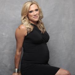 amber-theoharis-nfl-network-pregnancy