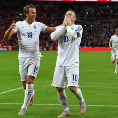 Wayne Rooney sets England's record as all-time leading goal scorer