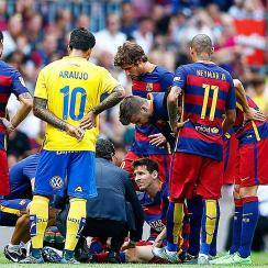 Lionel Messi Barcelona injured