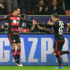 Chicharito scores for Bayer Leverkusen vs. Roma in Champions League