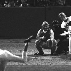 Carlton Fisk Boston Red Sox 1975 World Series