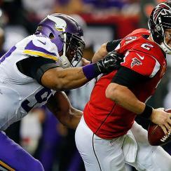 NFL Week 12: Vikings beat Falcons as Adrian Peterson shines, Matt Ryan struggles