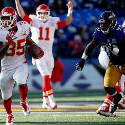 NFL Week 15: Chiefs beat Ravens, push winning streak to eight