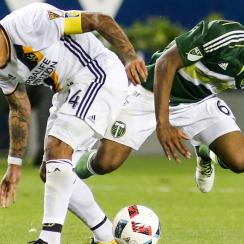 Nigel De Jong engages in a horror challenge on Portland Timbers star Darlington Nagbe
