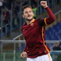 Francesco Totti celebrates his goal for Roma vs. Torino