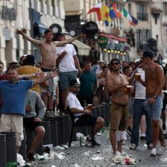 england fans riot marseille euro 2016 police