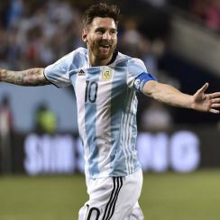 Messi scores vs. Panama in Copa America