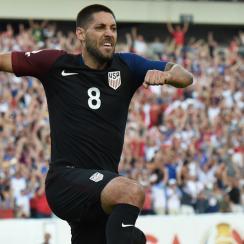 Clint Dempsey celebrates his goal vs. Paraguay in Copa America