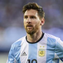 lionel messi breaks argentina goal record video