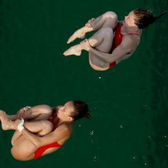 rio 2016 olympic diving pool green water algae