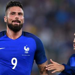 Olivier Giroud scores for France vs. Italy in their friendly