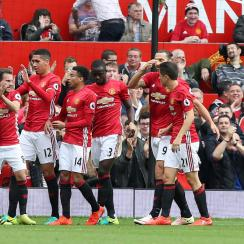 Manchester United routs Leicester City in the Premier League