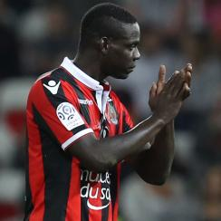 Mario Balotelli scores for Nice in the Europa League