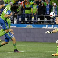 Nelson Valdez heads home the winning goal for the Seattle Sounders vs. Sporting Kansas City in the MLS playoffs